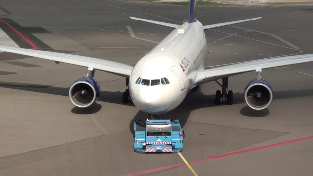 Delta Airlines Airbus 330-200 N860NW On Pushback Amsterdam Schiphol