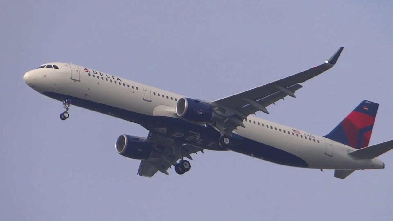 Delta Airlines Airbus A321 Sharklets N313DN landing approach Hamburg finkenwerder airport