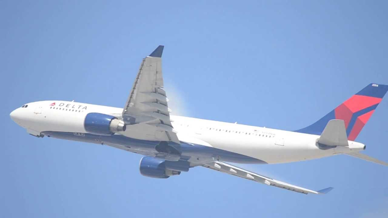 Delta Airlines Airbus A330-200 [N854NW] Takeoff From LAX