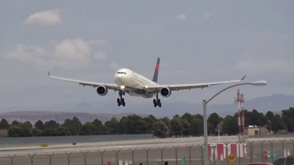 Delta Airlines Airbus A330-302 (N826NW) arrives at Las Vegas