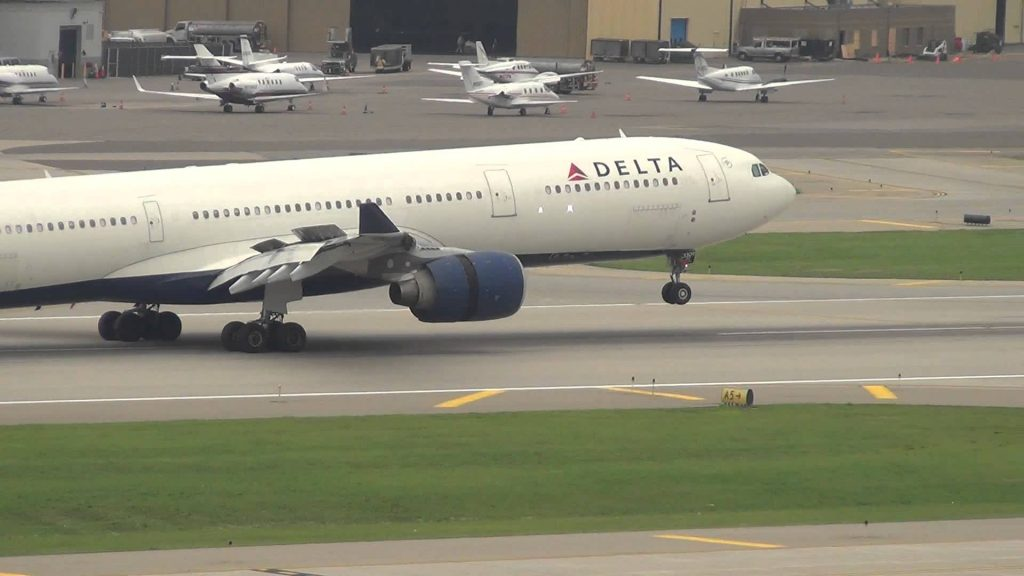 Delta Airlines Airbus A330-313X Landing 30L | N809NW | Minneapolis International Airport