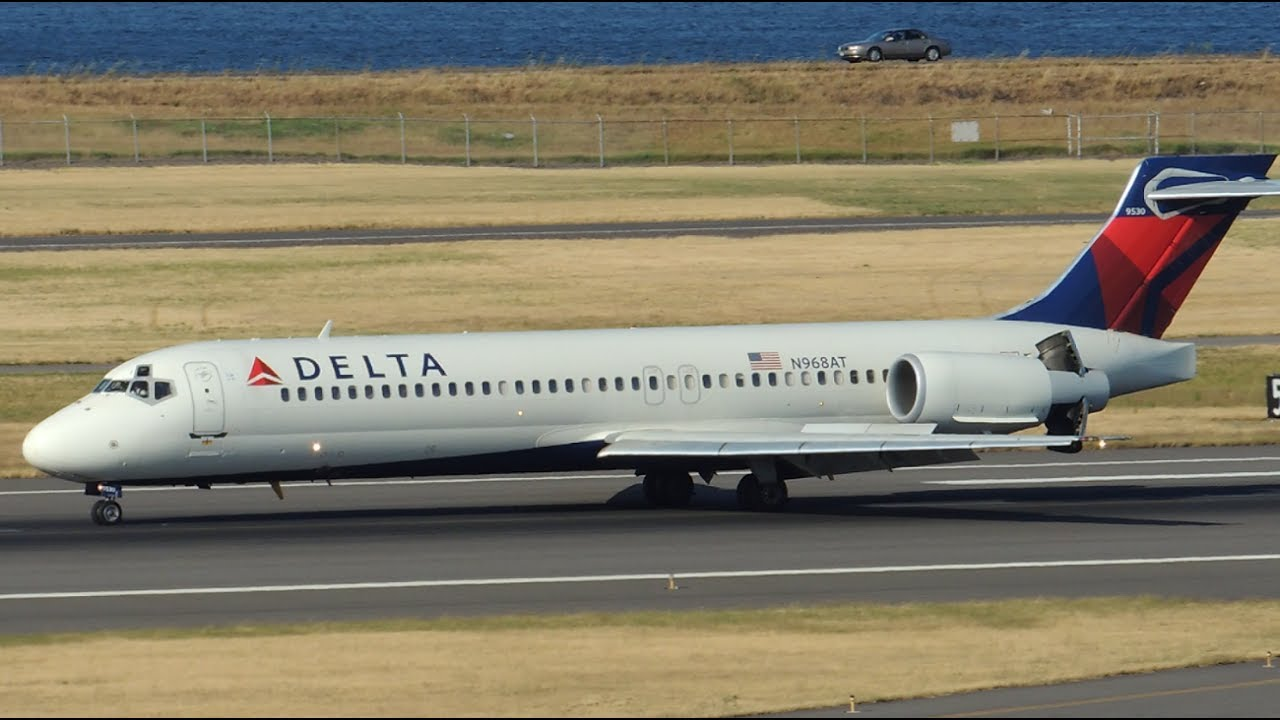 Delta Airlines Boeing 717-200 [N968AT] reverse thrust landing in PDX Portland International Airport