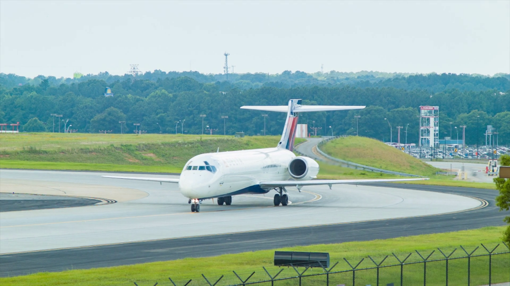 Delta Airlines Boeing 717-200 Regional Jet Texiing at Atlanta Hartsfield Jackson International Airport