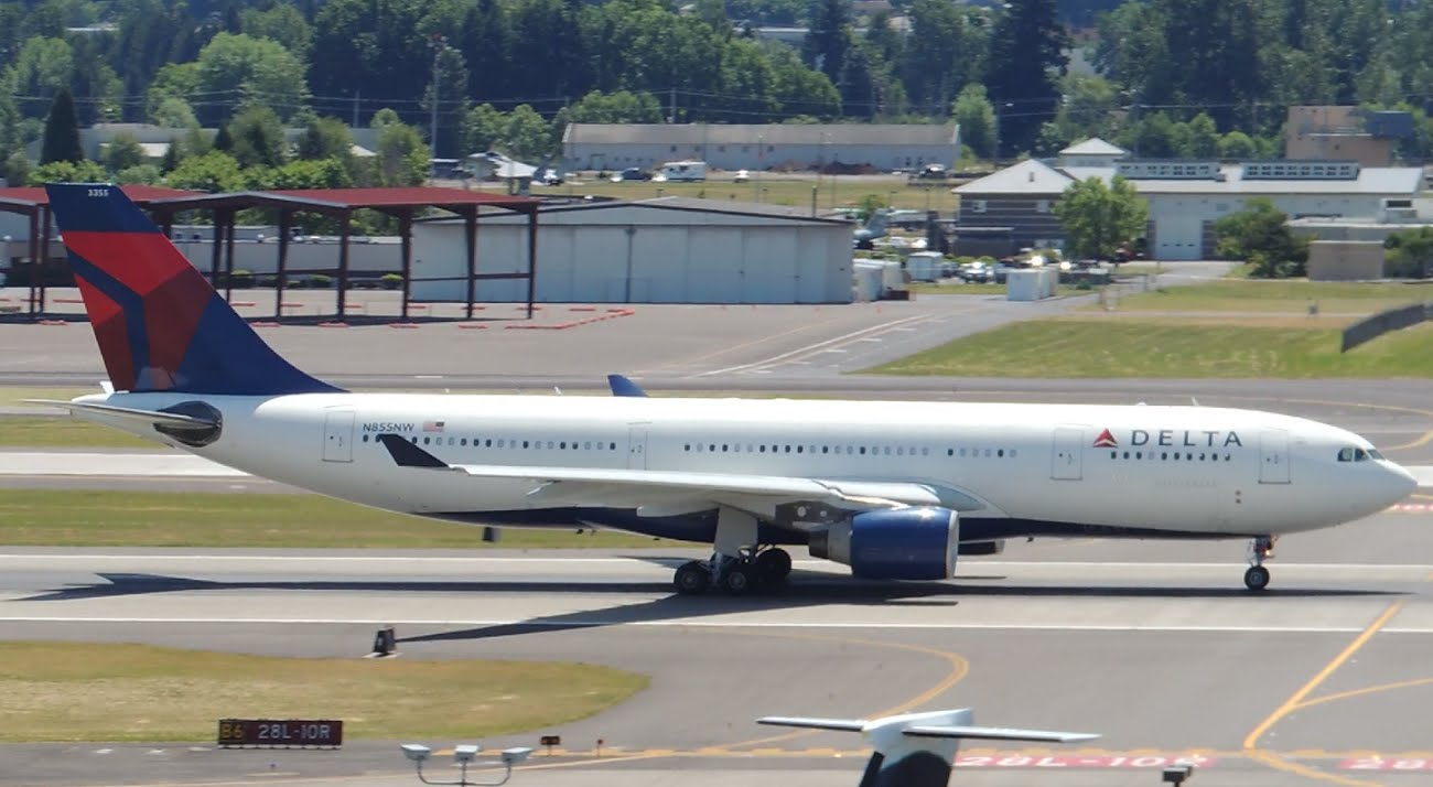 Delta Airlines Fleet Airbus A330-200 [N855NW] takeoff from PDX
