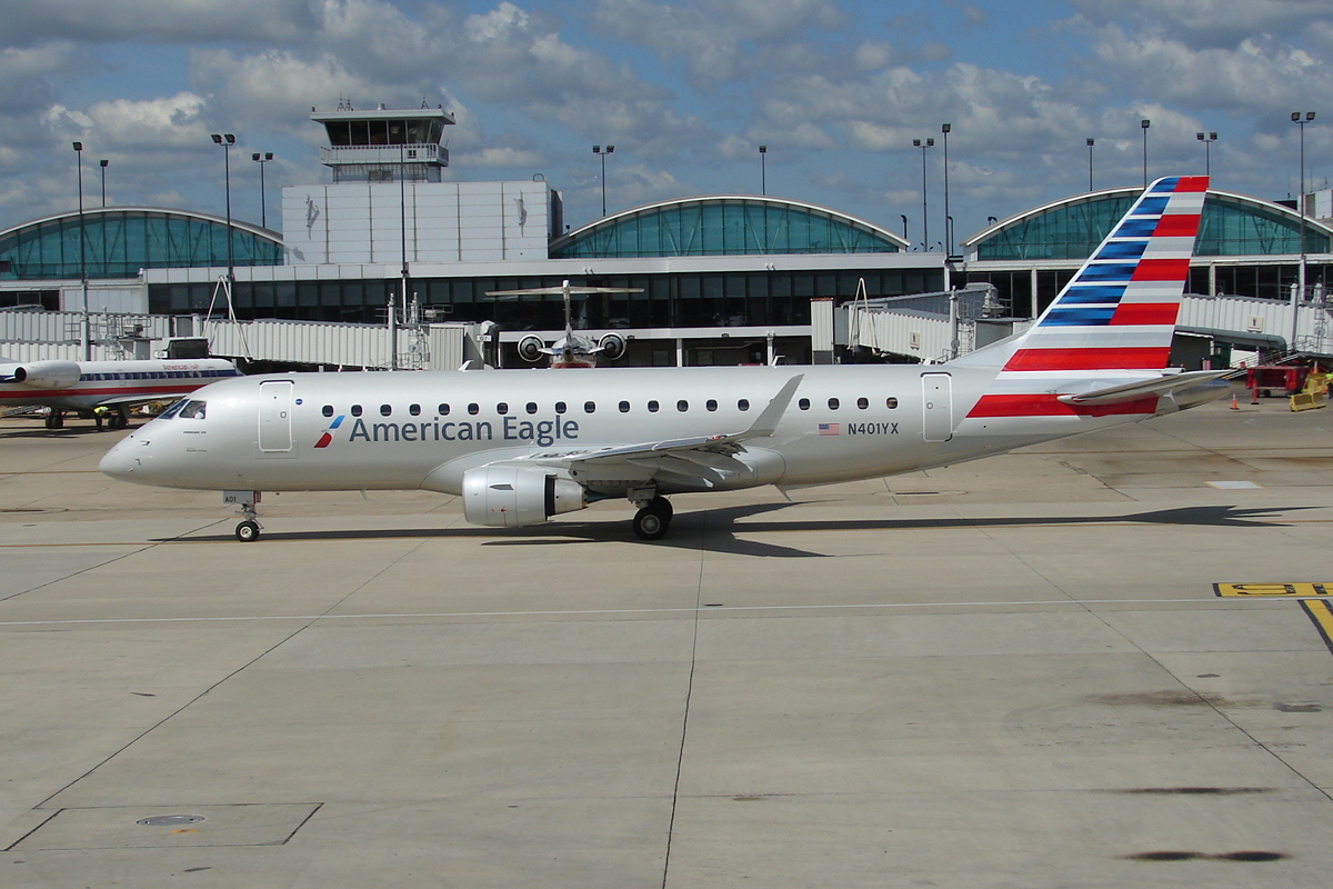 Embraer E175 N401YX American Eagle Airlines Fleet