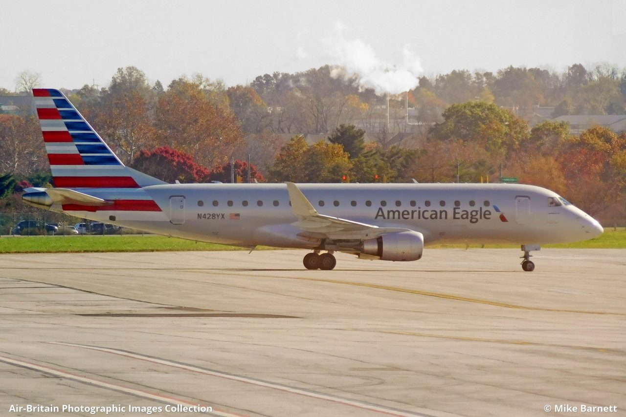 Embraer ERJ-170-200LR (ERJ-175) N428YX · American Eagle - Republic Airlines (RW : RPA) · Columbus - Port Columbus International (CMH : KCMH), USA - Ohio @Mike Barnett