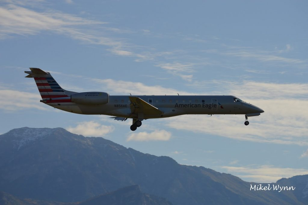 Envoy Air (American Eagle Airlines) Embraer ERJ-140 N856AE Photos @Mikel Wynn
