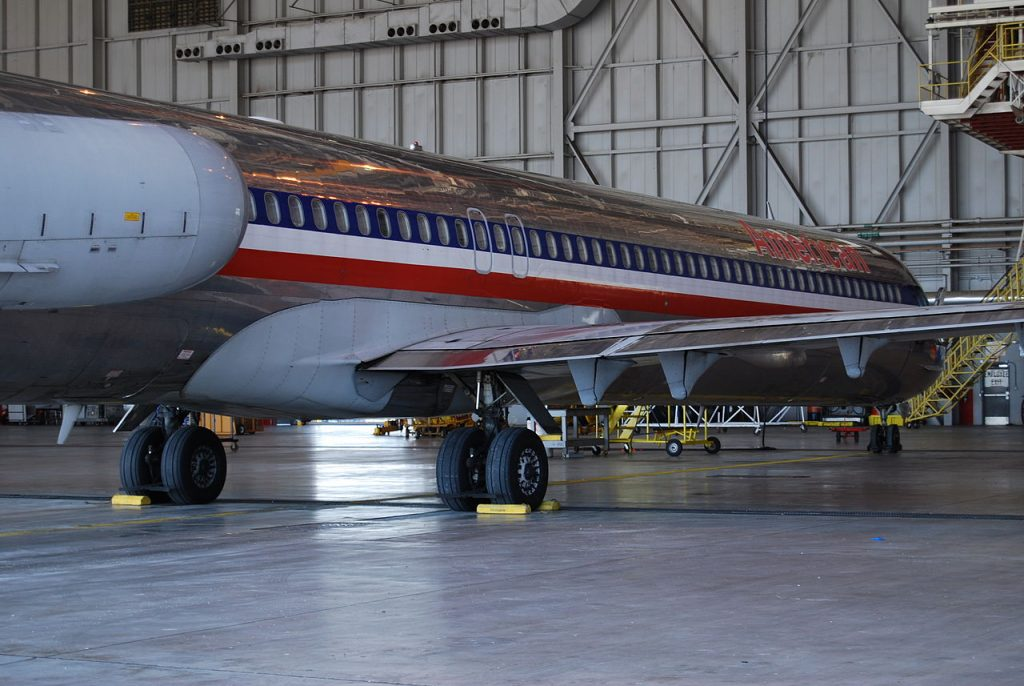 McDonnell Douglas MD-80, American Airlines, DFW maintenance, aft fuselage, wing fairing, main gear