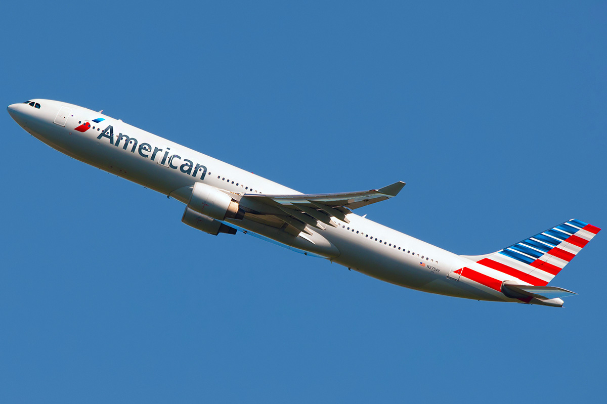 N275AY American Airlines Wide Body Airbus A330-323