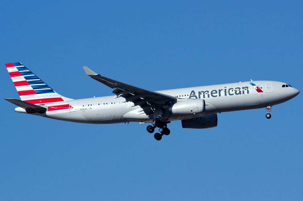 N283AY American Airlines Fleet Airbus A330-243 Photos