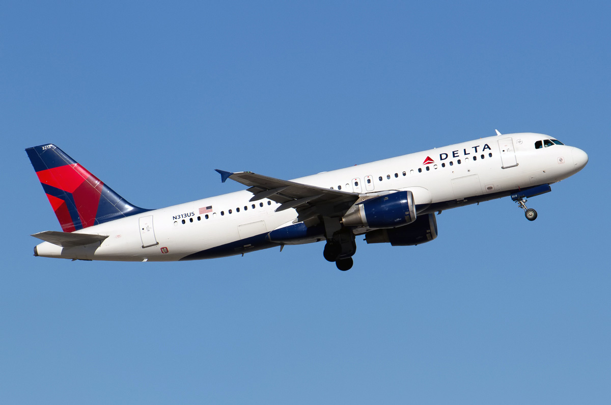 N313US Delta Air Lines Narrow Body Airbus A320-211 Photos