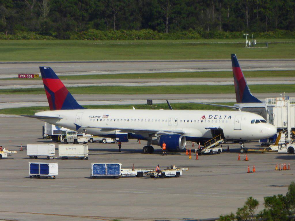 N344NW Airbus A320-212 cn 388 Delta Air Lines Orlando International