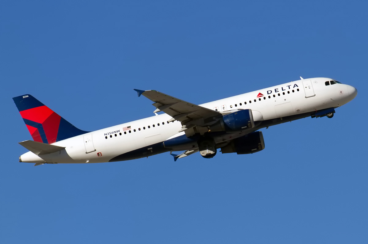 N356NW Delta Air Lines Aircraft Airbus A320-212 Photos