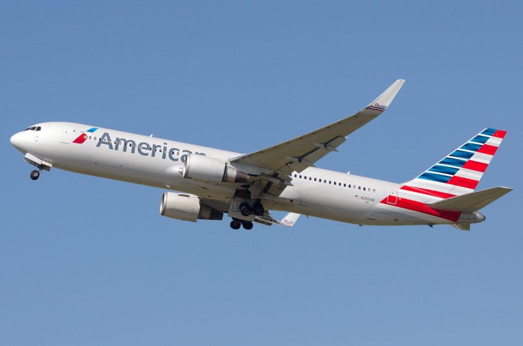 N35AN American Airlines Boeing 767-300 photos