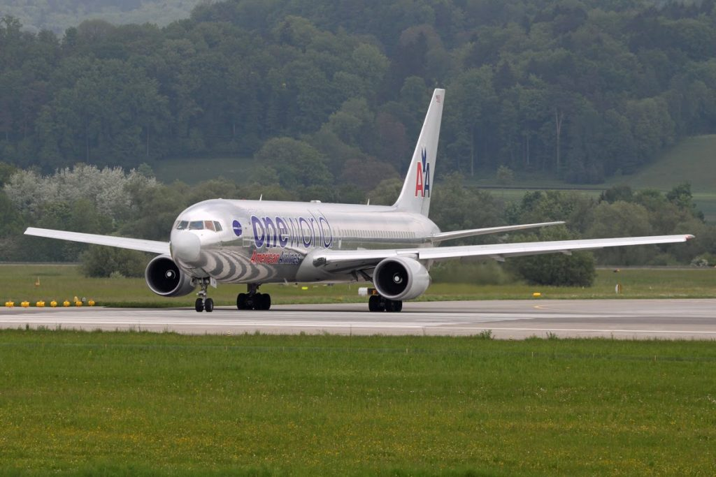 N395AN : Boeing 767-323 (ER) : American Airlines One World Livery