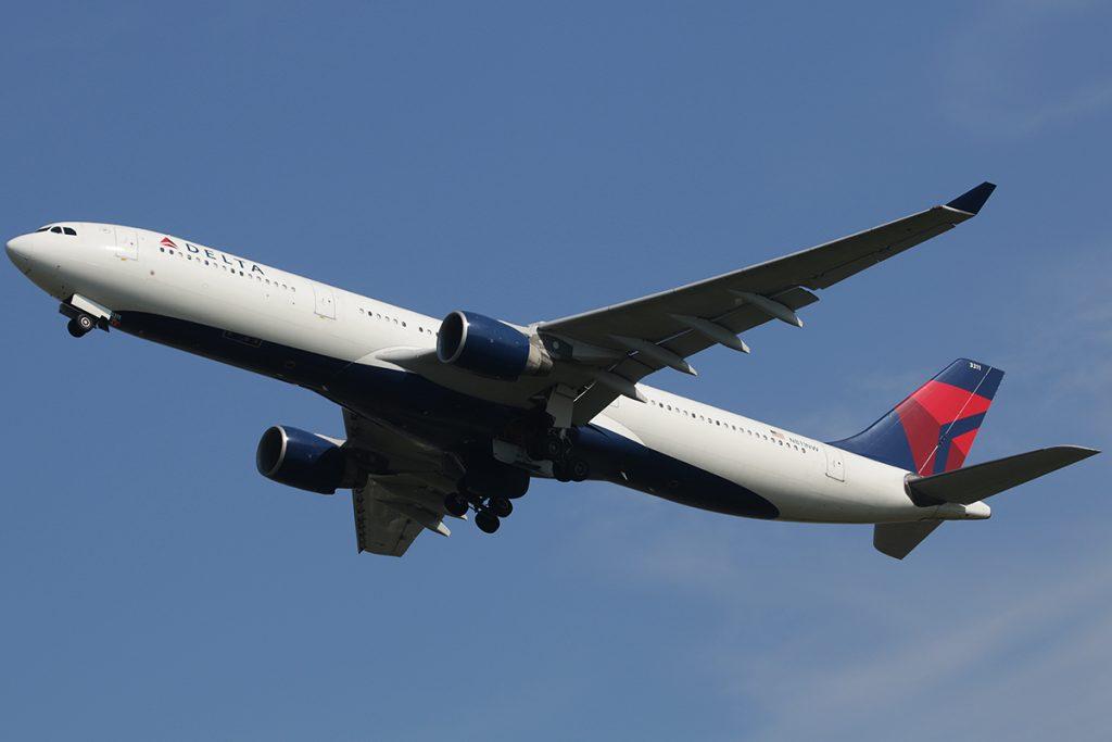 N811NW Delta Air Lines Airbus A330-300 Photos