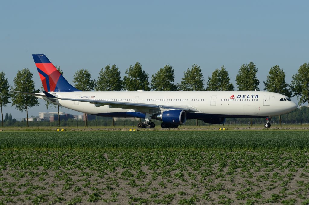 N830NW Airbus A330-302 Delta Air Lines Fleet Photos