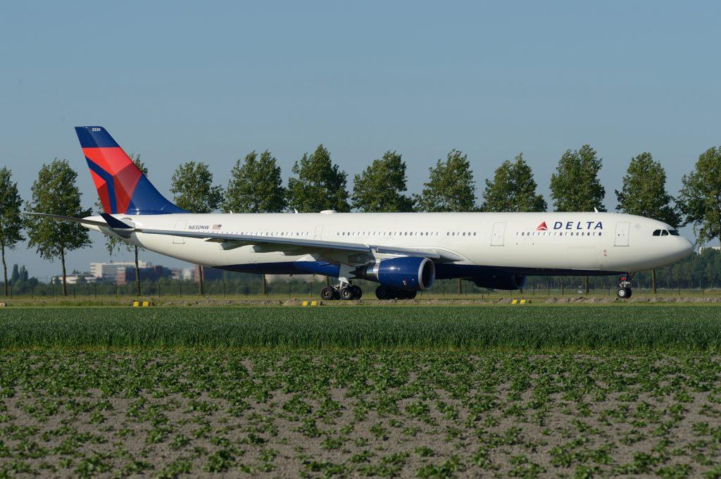 N830NW Airbus A330-302 Delta Air Lines Fleet Photos