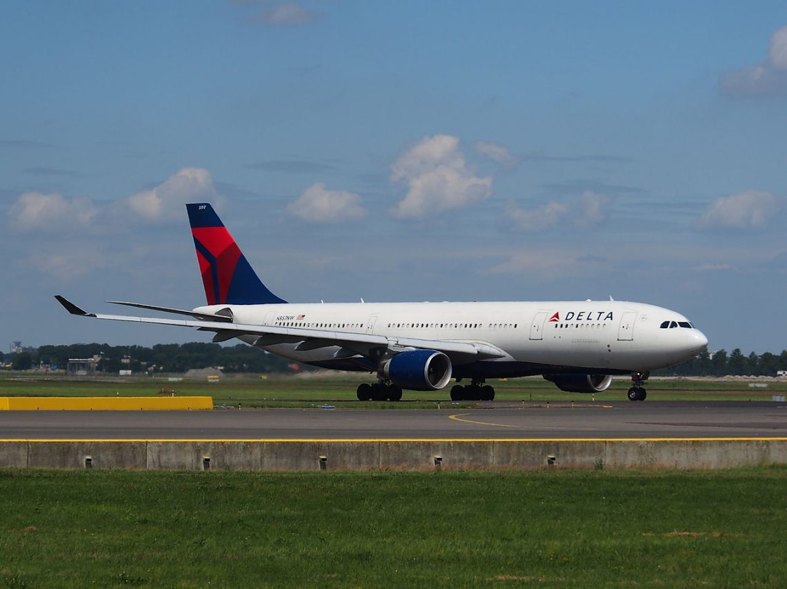 N857NW Delta Air Lines Airbus A330-223 taxiing at Schiphol (AMS - EHAM)