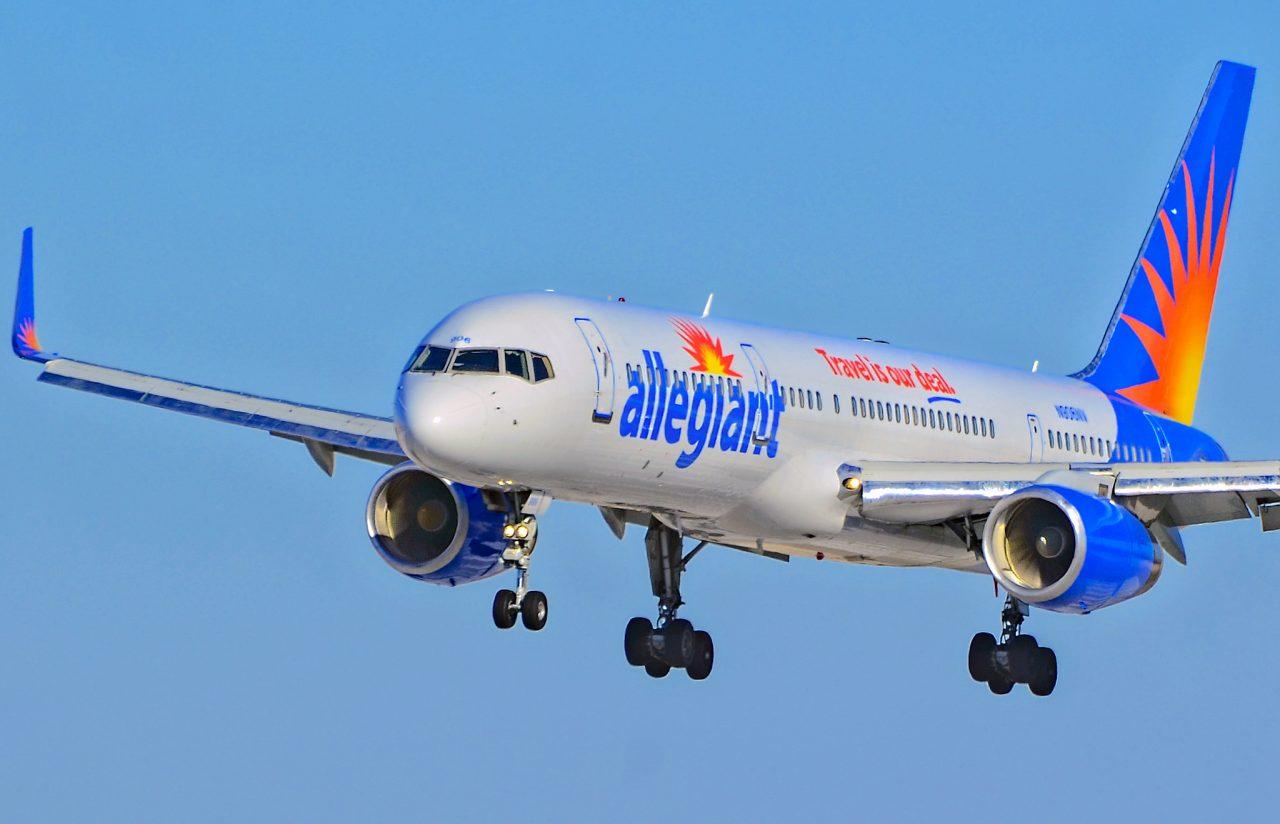 N906NV Allegiant Air Boeing 757-204 (cn 27236-600)