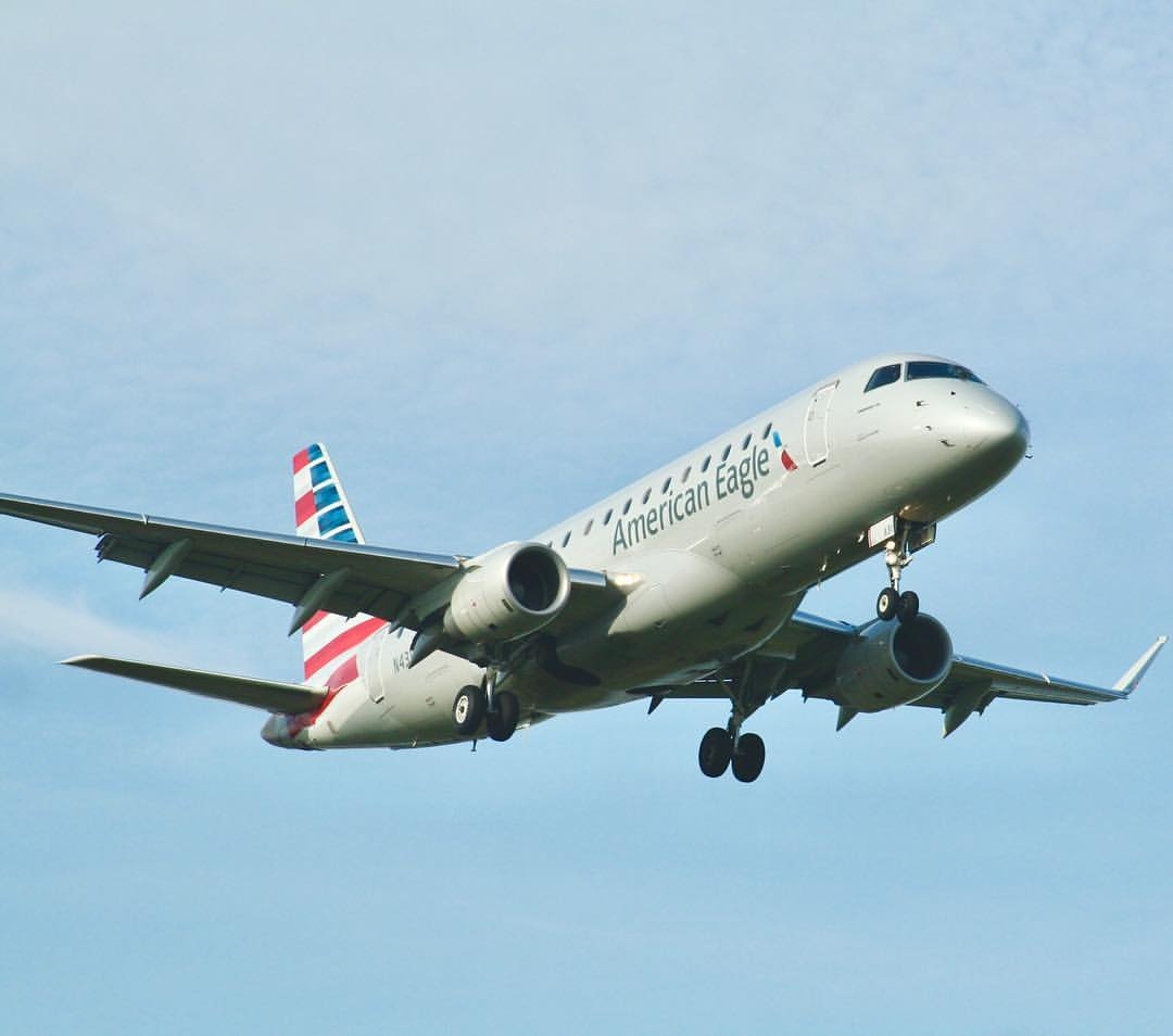 Republic Airlines (American Eagle) Embraer E-175 on final into Reagan National