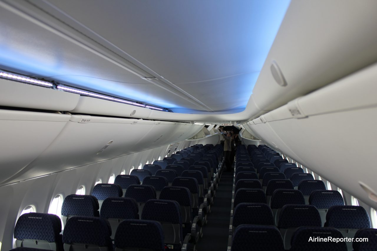 The Boeing Sky Interior on American Airlines Boeing 737-800 (N867NN) @AirlineReporter.com