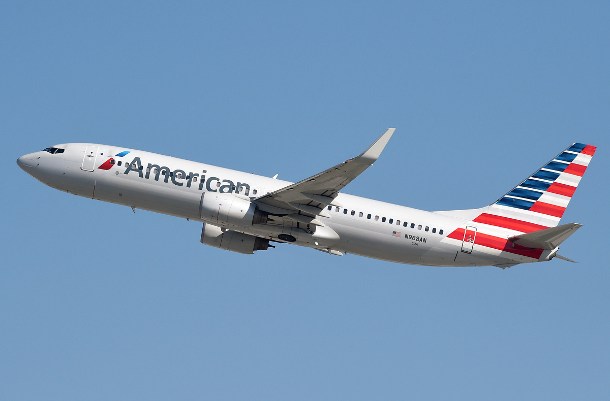 Twin Jets Boeing 737-823 American Airlines