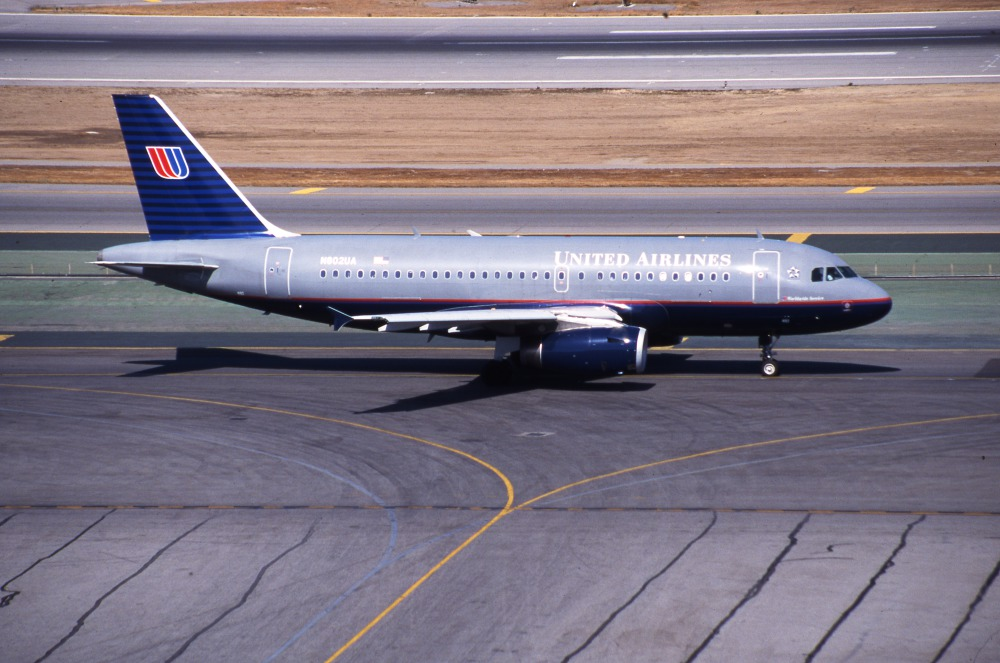 Airbus A319 (cn 690, N802US) of United Airlines Fleet at San Francisco International Airport on the 24th September 1999