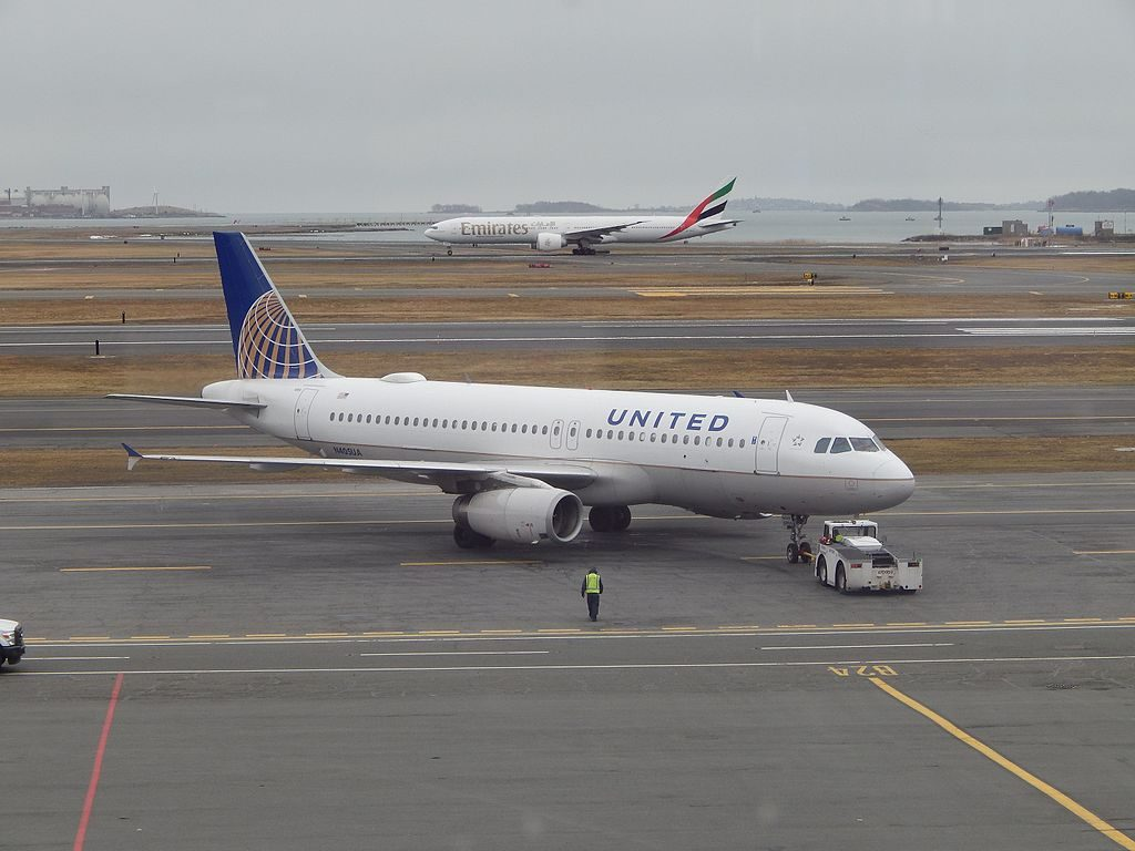 Airbus A320-200 N405UA of United Airlines Pushing back for the flight to ORD at Logan Airport Boston, Massachusetts USA