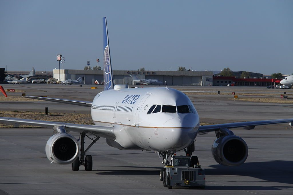 Airbus A320-200 United Airlines Aircraft Fleet N437UA pushed back by airport tug at Albuquerque International Sunport