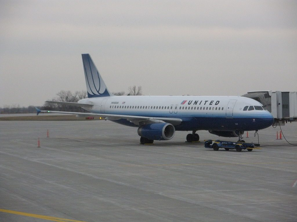 Airbus A320-200 of United Airlines parked at gate a4 at Des Moines International Airport
