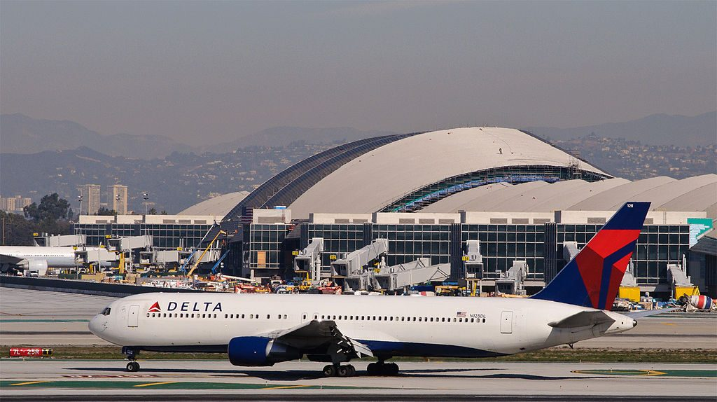 Delta 1706 arrives from Detroit - Delta Air Lines Widebody Fleet N128DL - Boeing 767-300 Aircraft Photos