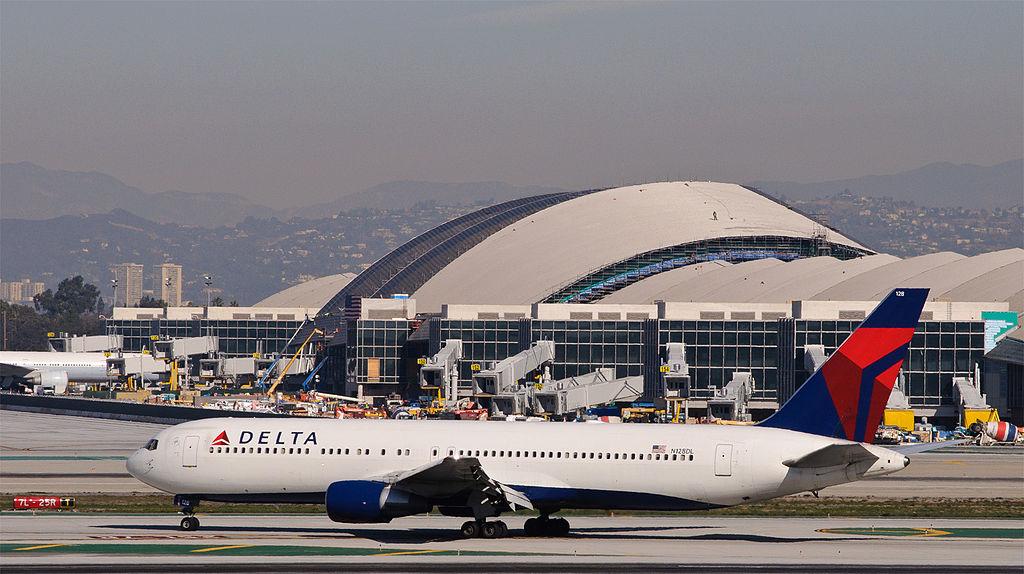 Delta 1706 arrives from Detroit - Delta Air Lines Widebody Fleet N128DL - Boeing 767-300 Aircraft Photos