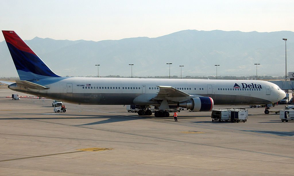 Delta Air Lines Aircraft Fleet N834MH Boeing 767-432ER cn:serial number- 29707:813 at Salt Lake City International Airport