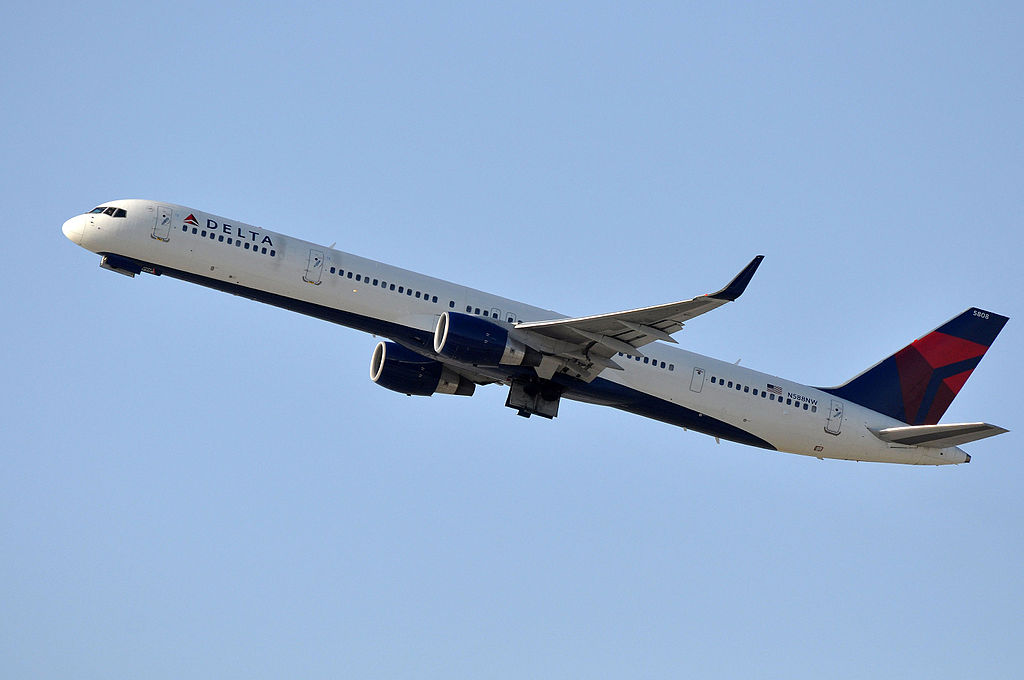 Delta Air Lines B757-351 N588NW Boeing 757-300 at LAX Photos