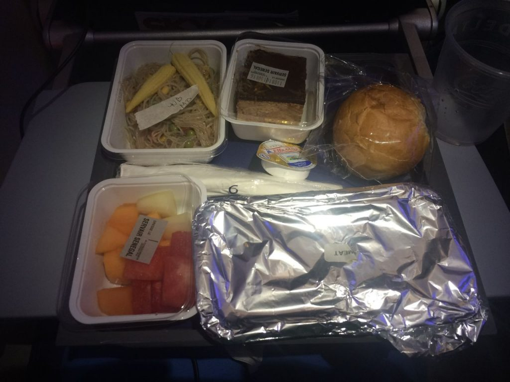 Delta Air Lines Boeing 757-200 Economy Class Inflight Amenities Food Services Photos