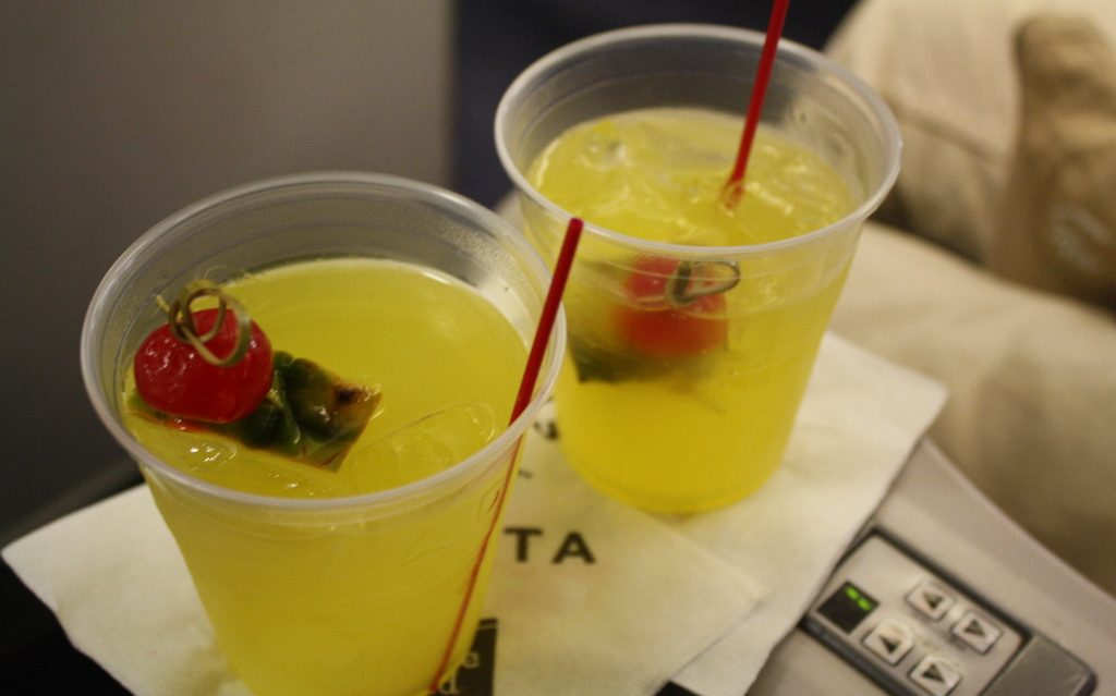 Delta Air Lines Boeing 757-200 First Class Cabin pre-departure drinks Photos
