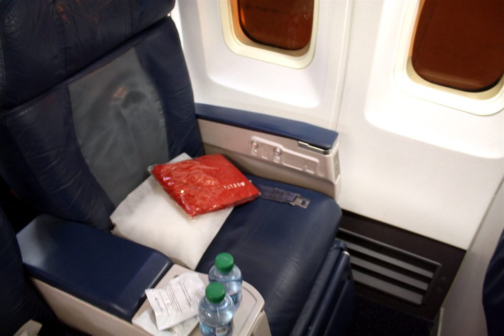 Delta Air Lines Boeing 757-200 First Class Seats Photos