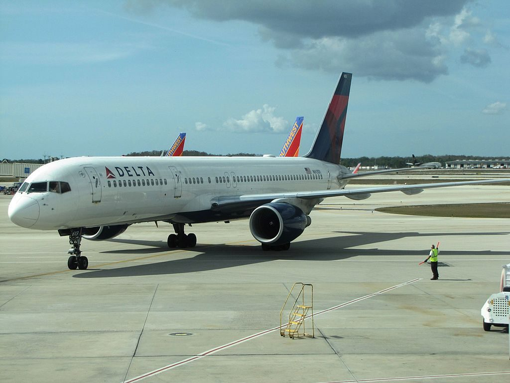 Delta Air Lines Boeing 757-200 N613DL at Southwest Florida International Airport