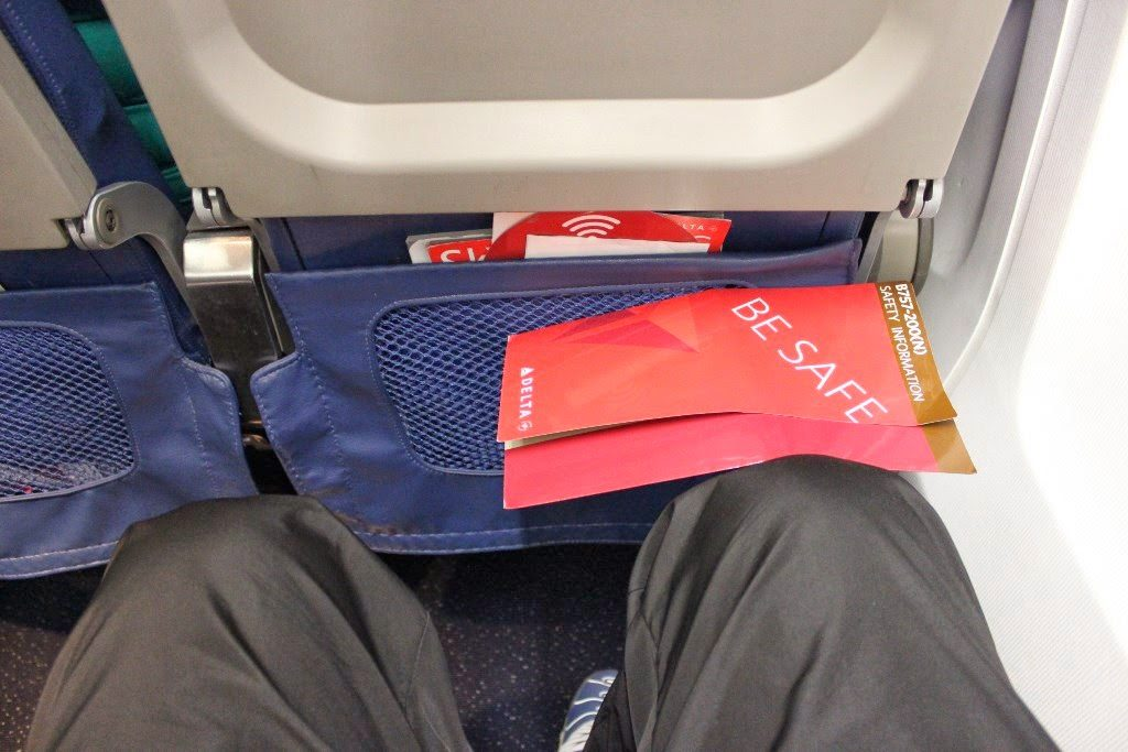 Delta Air Lines Boeing 757-200 Premium Economy (Comfort+) Class Seats Pitch Legroom Photos