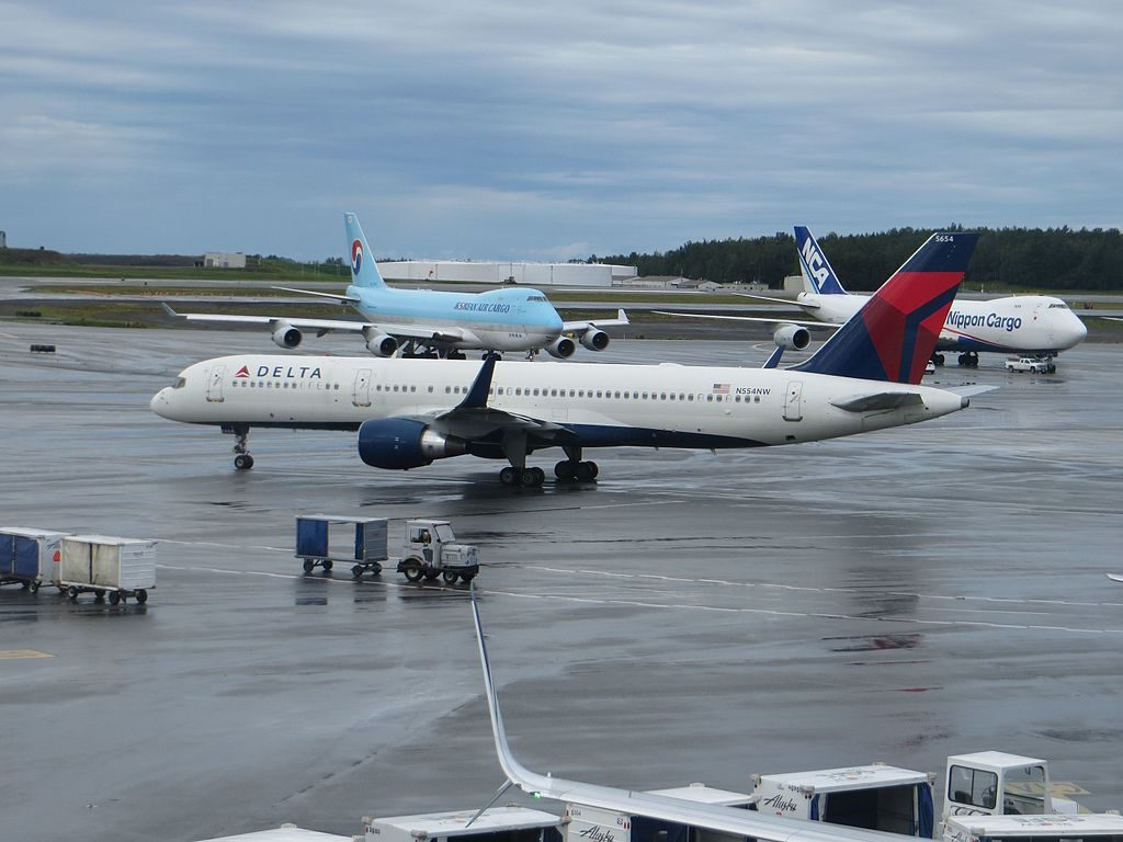 Delta Air Lines Boeing 757-200 registered N554NW at Ted Stevens Anchorage International Airport. Operating Flight 1384 to Minneapolis