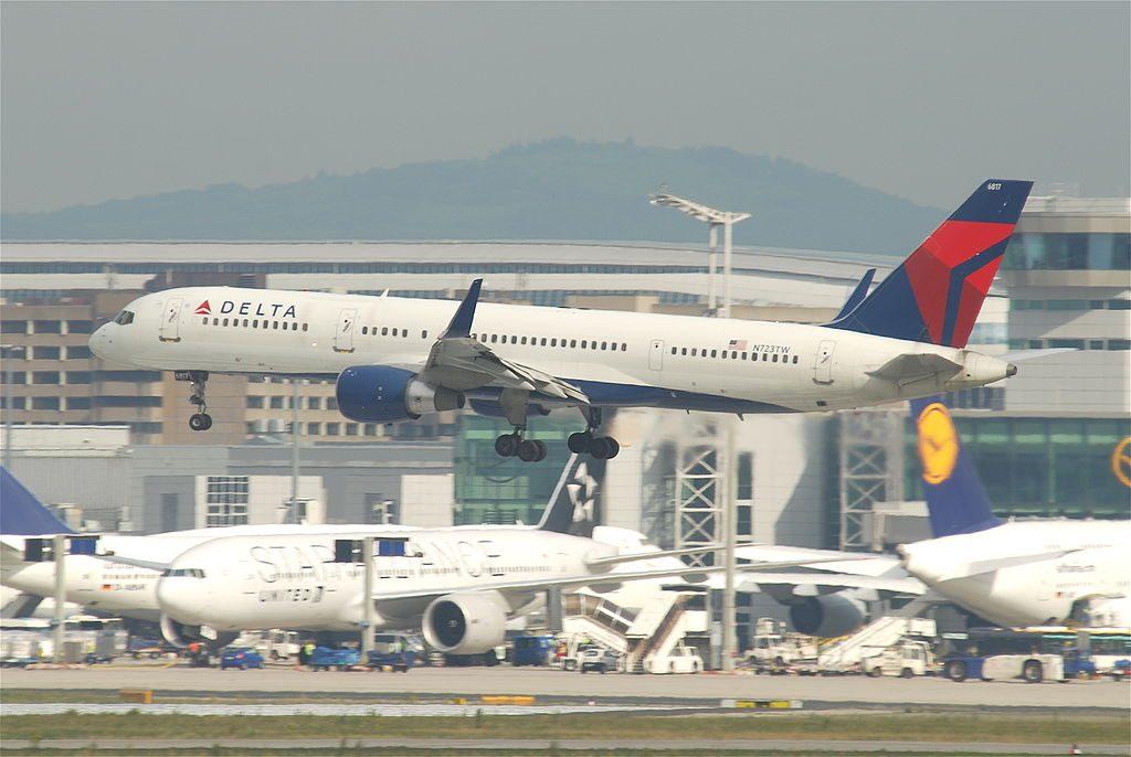 Delta Air Lines Boeing 757-231; N723TW @FRA Frankfurt Airport Germany