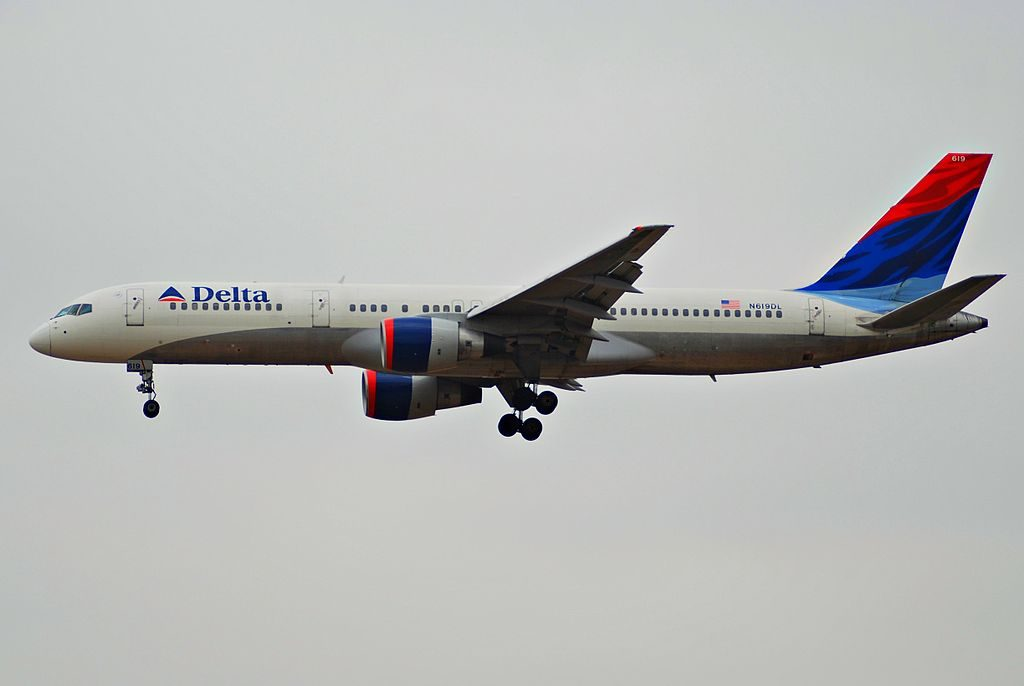 Delta Air Lines Boeing 757-232; N619DL @LAX Airport Photos