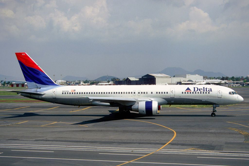 Delta Air Lines Boeing 757-232, N625DL @MEX Mexico City International Airport