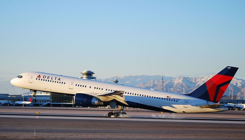 Delta Air Lines Boeing 757-232 N6705Y Las Vegas - McCarran International (LAS : KLAS) USA - Nevada