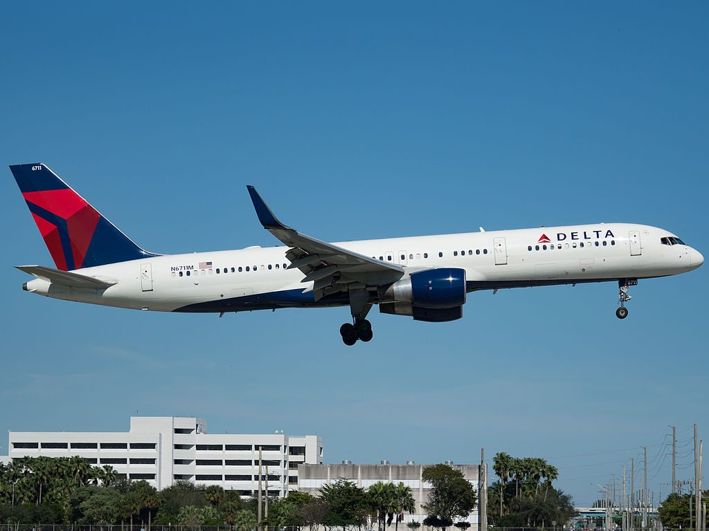 Delta Air Lines Boeing 757-232 (N6711M) at Miami International Airport