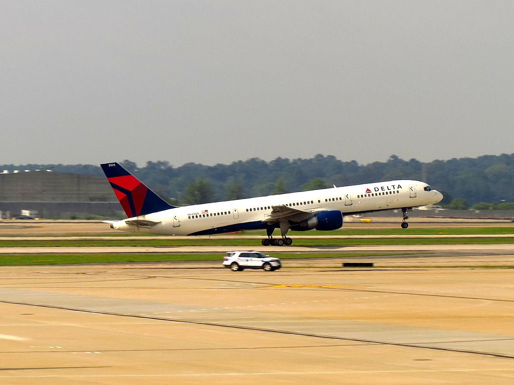 Delta Air Lines Boeing 757-251 cn:serial number- 23619 at Hartsfield-Jackson Atlanta International Airport