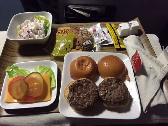 Delta Air Lines Boeing 757-300 First class cabin inflight amenities service dinner and breakfast photos