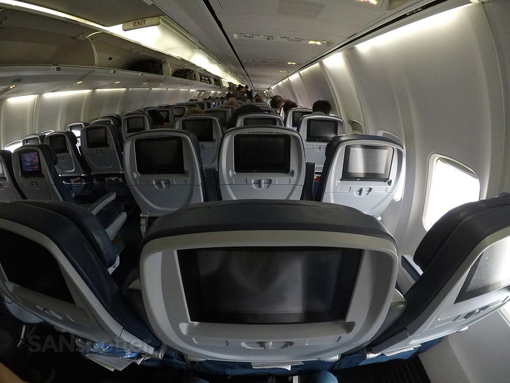 Delta-Air-Lines-Boeing-757-300-Main-Cabin-Interior-Layout-Photos-@SANspotter.jpg