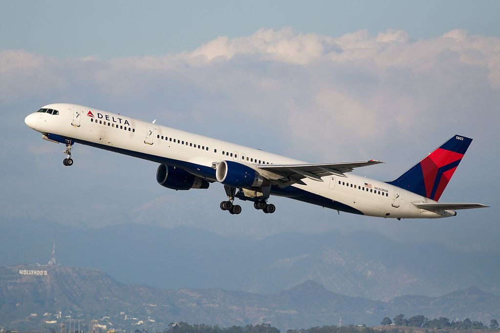 Delta Air Lines Boeing 757-300 N583NW Departing LAX Photos